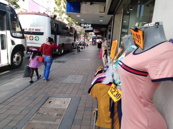 Fuera de las calles | Estrada Ferreiro busca reubicar a vendedores ambulantes del centro
