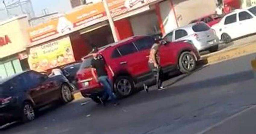 Jóvenes armados 'participaron' en detención de presunto robacarros