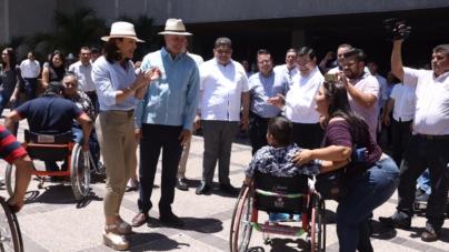 Inauguran rampas de acceso para discapacitados en Palacio de Gobierno