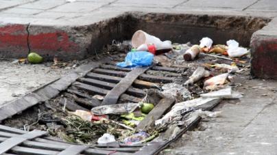 Panistas preparan iniciativa para multar a quienes tiren basura en la vía pública en Sinaloa