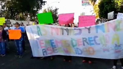 Bloquean la Obregón | Padres Exigen se Concluya Paso Seguro en Primaria Ángel Flores
