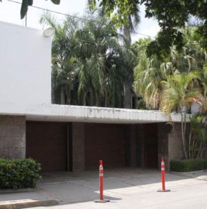Instituto para Devolverle al Pueblo lo Robado subastará Casa de Gobierno