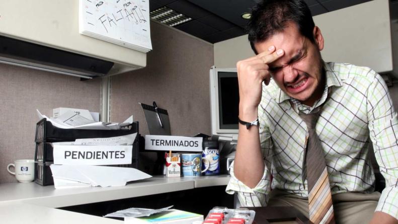 ¿Trabajando el Día del Trabajo? | El estrés laboral puede provocar muerte por complicaciones cardiovasculares
