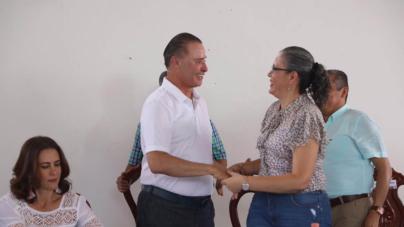 Anuncia Quirino obra carretera en Chametla, pueblo de Graciela Domínguez Nava