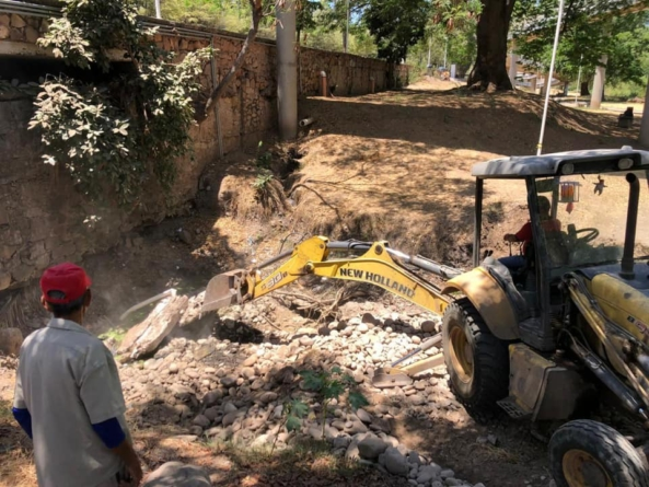 Por temporada de lluvias reconstruyen sistema pluvial en el Parque Las Riberas