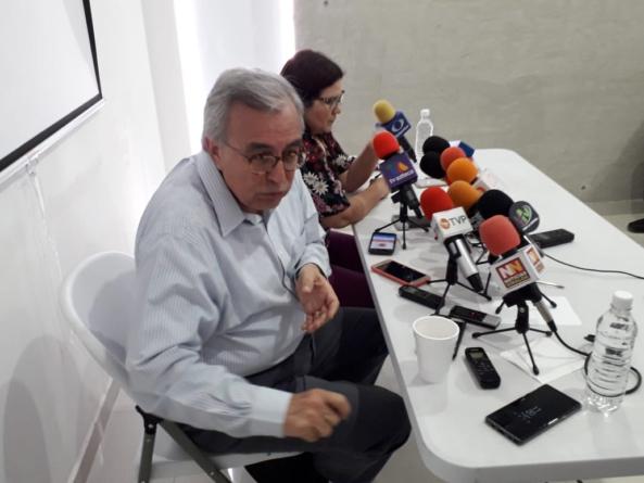 """Para Guerra   """"Me mortifica que anden pegando de gritos"""", dice Rocha a rector de la UAS"""