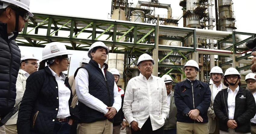 Efecto ESPEJO | Corrige López Obrador: acorta a la mitad su plan de refinerías