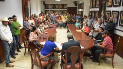 Dobla Estrada Ferreiro sueldo a empleados de sindicaturas; ganaban menos del mínimo