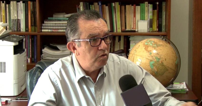 Si Trump no da marcha atrás, México debe responder con más aranceles: economista
