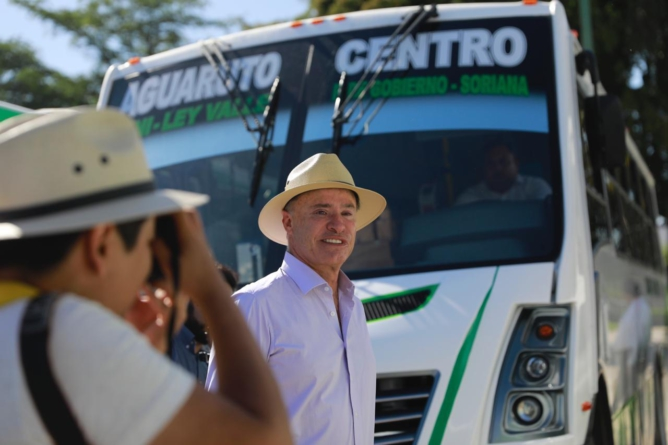"""Critica diputado """"regalito"""" de 21 mdp a concesionarios del transporte público"""