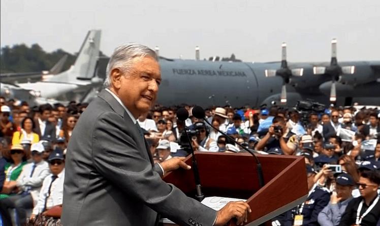 """Tribunal suspende obra del aeropuerto de Santa Lucía; """"no han iniciado"""", responde López Obrador"""