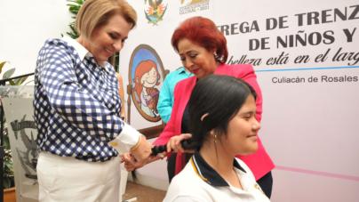 Campaña altruista | Alumnas de la UAS donan 240 trenzas para menores con cáncer