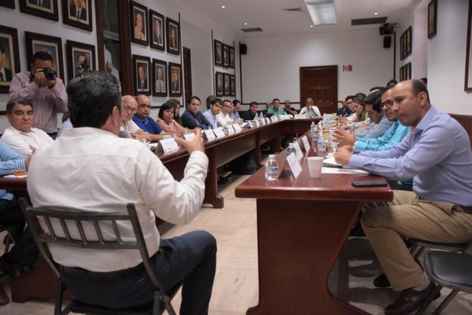 Presentan ponencias aspirantes a la dirección del Implan Culiacán