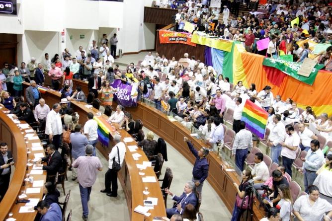 Morenistas que rechazaron matrimonio igualitario no saben nada de proceso de expulsión