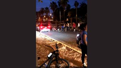 Mueren motociclista y universitaria en accidente vial; joven iba sin luces y a exceso de velocidad