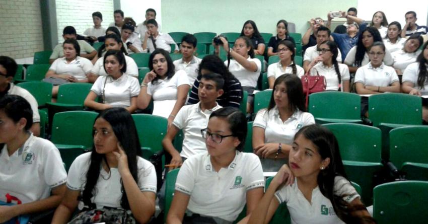 Cambio de escuela | Trámites burocráticos son factor de deserción en bachillerato