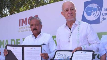 "Firma Alcalde compromisos de la Red Mexicana de la ""Carta de la Tierra"""
