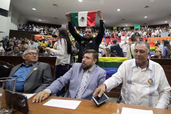 Efecto ESPEJO | De los 27 diputados de Morena, ¿solo quedan 18?