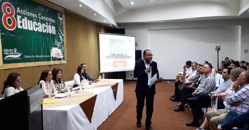 Diputados del PRI buscan regular uso de celular en las escuelas de Sinaloa y otras 7 acciones concretas por la educación