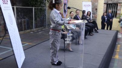 Uniforme inclusivo | Estudiantes podrán elegir falda o pantalón en escuelas de CDMX