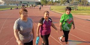 Caminar ayuda a reducir el estrés y previene diversos tipos de cáncer