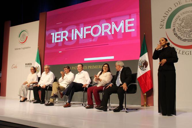 Teatro y primer informe de senadores de Morena