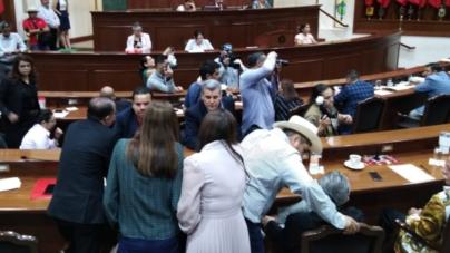 Morena logra desempate y rechaza cuenta pública del Gobernador Quirino Ordaz Coppel