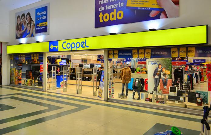 """Coppel recibe el distintivo de """"Marca Famosa"""""""