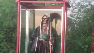 Las muertes de Eldorado | Aparecen figuras de la Santa Muerte a las afueras de la sindicatura