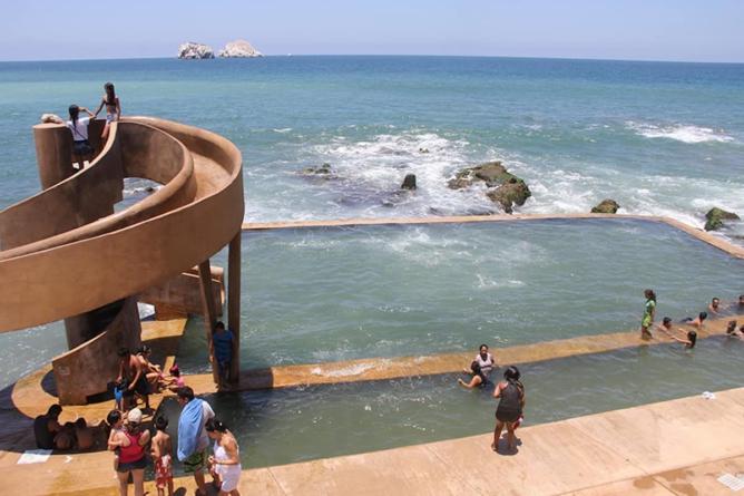 ¿Es malo orinar en el mar? | Deja los prejuicios, hacer 'pipí' en la playa puede ser positivo