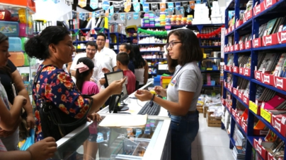 Avanza en un 80% entrega de útiles y uniformes gratuitos en Sinaloa, indica la Sedeco