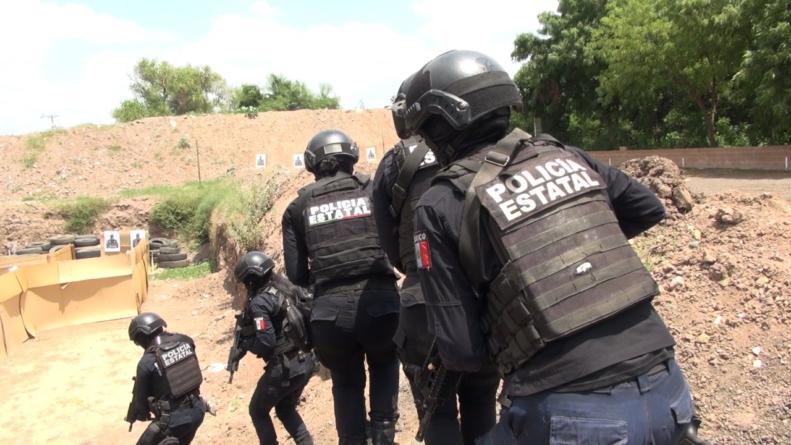 Así se capacitan mujeres policías para enfrentar emboscadas