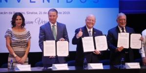 Inauguran rector y gobernador el ciclo escolar 2019-2020 de la UAS