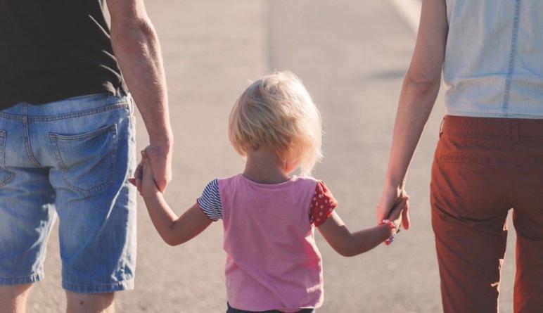 Menores de edad podrán decidir si su primer apellido es materno: SCJN
