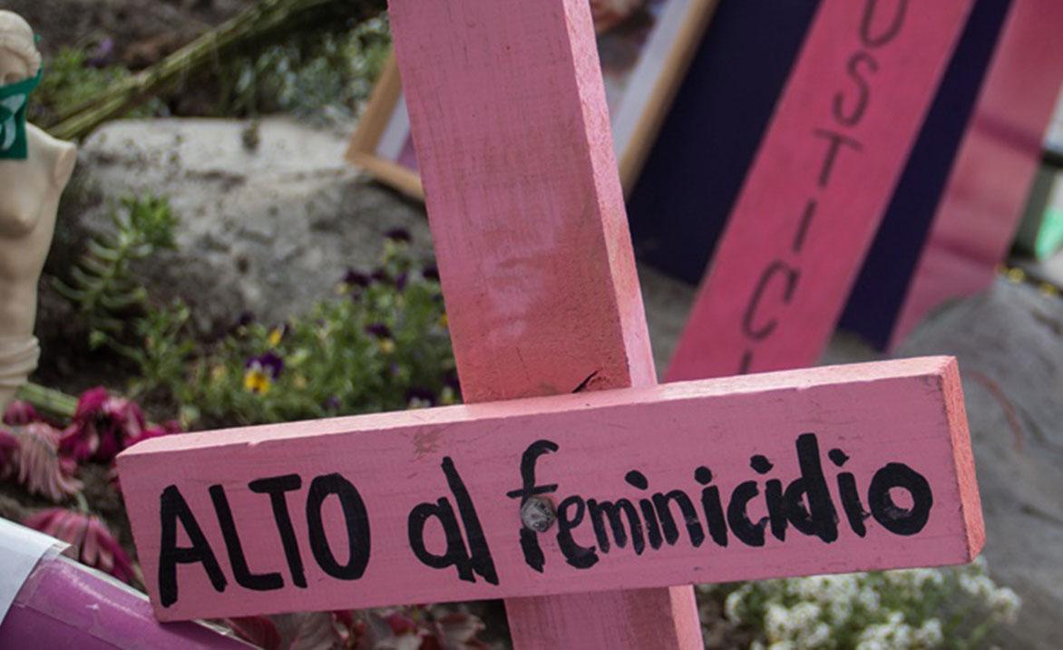 CIUDAD DE MÉXICO, 16MARZO2019.- El pasado 8 de Marzo, con motivo de la conmemoración del día de la Mujer, familiares de mujeres y niñas víctimas de desaparición forzada y feminicidio, con ayuda de colectivos colocaron un antimonumento