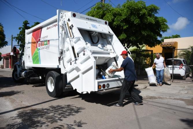 Ayuntamiento ha adquirido 14 camiones recolectores y rehabilitado 18