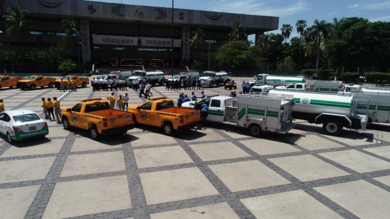 Entrega Quirino equipamiento a Bomberos de Sinaloa
