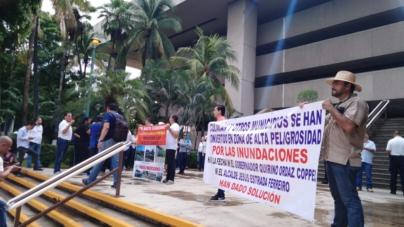 Ni una muerte más | Marchan por obras públicas de calidad en Culiacán