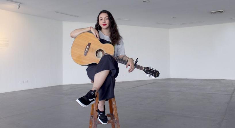 En Escena | Rotceh y su proyección de sentimientos en guitarra y voz