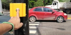 VIDEO | Esta es la forma de usar el nuevo semáforo peatonal en el Malecón