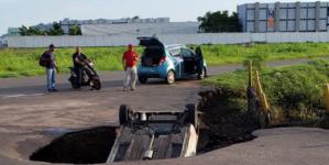 Lluvias generan segundo socavón de dos metros en Culiacán