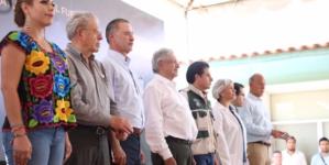 Se rehabilitarán cuatro mil escuelas en Sinaloa, anuncia AMLO en El Fuerte