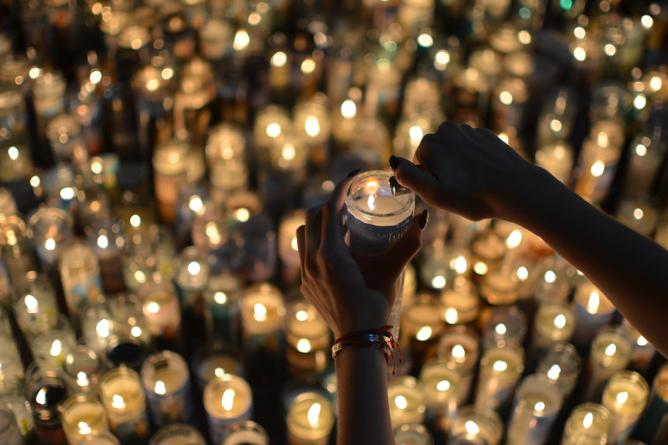 Miles de veladoras ofrecen culichis a San Judas Tadeo