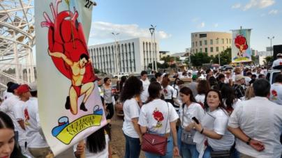 #CuliacánValiente   Culichis marchan para retomar la paz en la ciudad