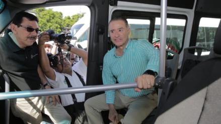 Continúa Quirino apoyando con camiones a concesionarios del transporte