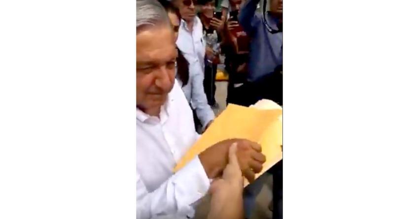 Tema de la semana | Sobres amarillos: Todos le piden a López Obrador