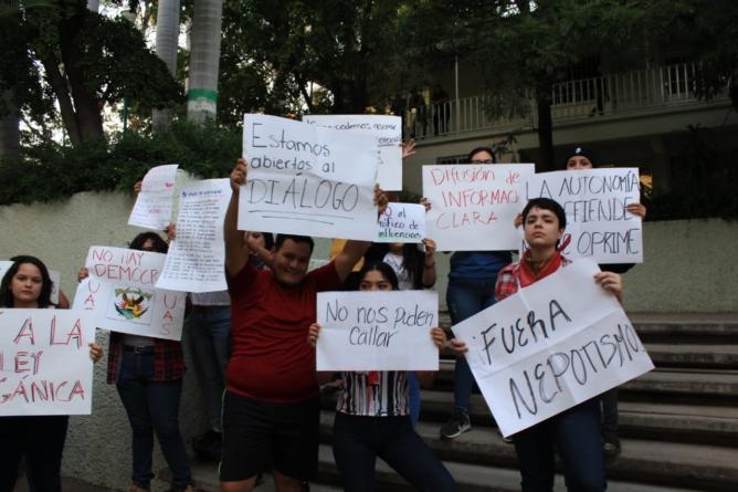«UAS, ni democrática ni autónoma», reclaman alumnos de Filosofía y Letras