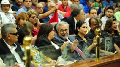 La burbuja de Rocha   En política ya no existen 'padrinos' ni 'mano negra', dice el Senador