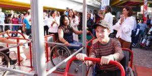 Inauguran juegos para personas con discapacidad en el Parque Acuático