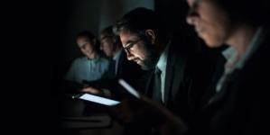 Cuidado con la luz azul | Cuando los celulares se roban la juventud